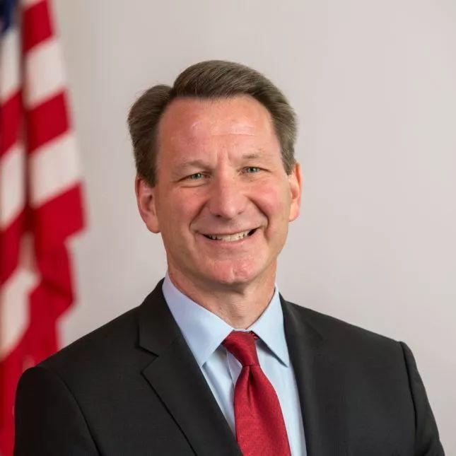 为什么特朗普不认可FDA代理局长,而可能提名MD安德森的Hahn博士为FDA新局长?