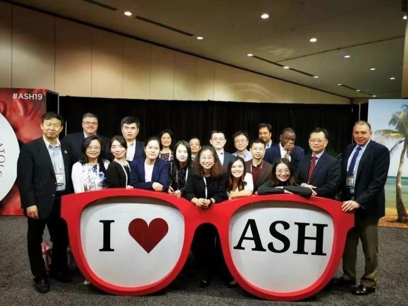 """中国原创闪""""药""""ASH舞台 亚盛团队尽显风采!"""